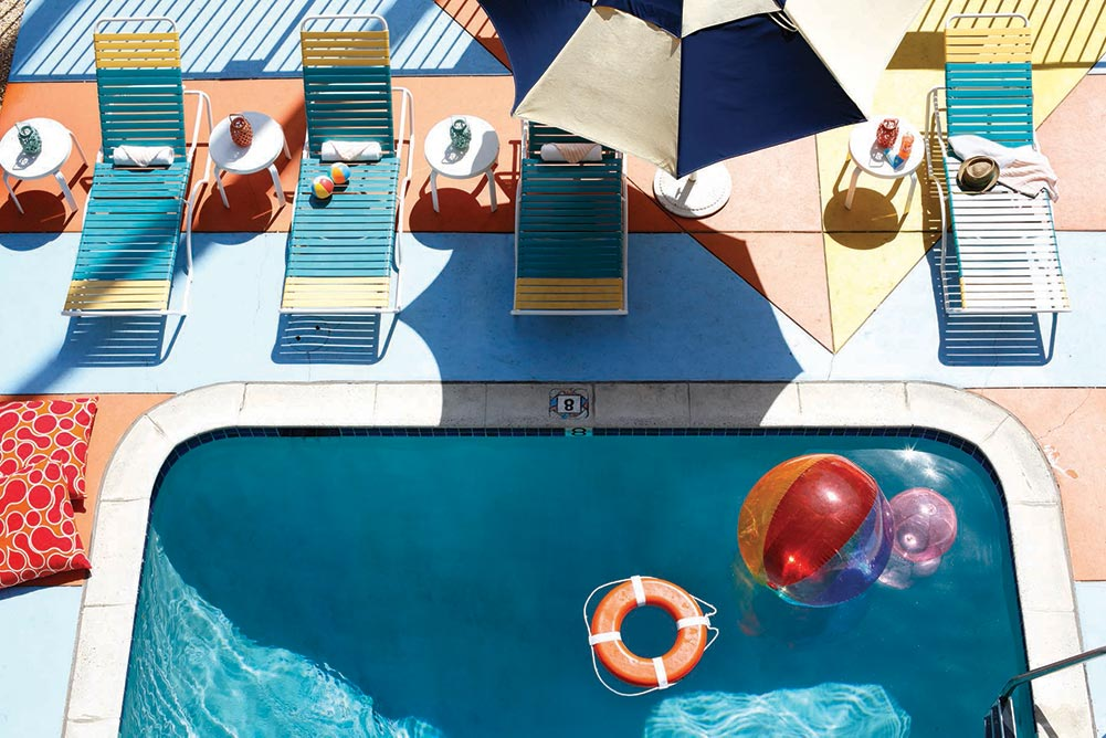 Where to stay in San Francisco: Hotel del Sol pool and grounds