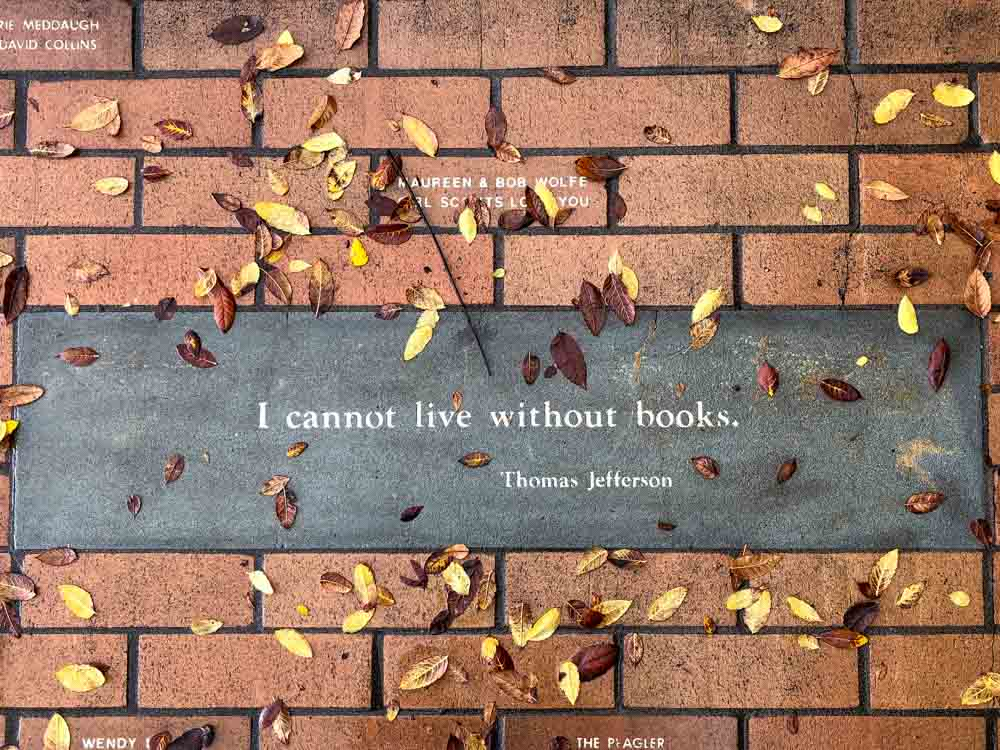 I cannot live without books Jefferson quote