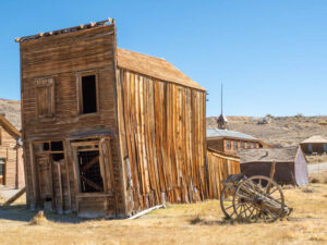 Ghost town of Bodie: Swazey Hotel building ruin