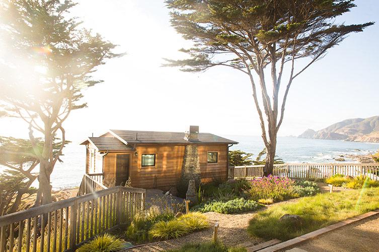 Sea Wolf cottage Half Moon Bay Airbnb on coast