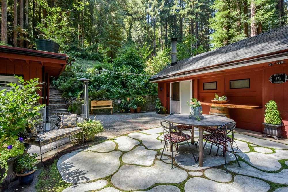 Santa cruz treehouse Paradise cabin stone deck