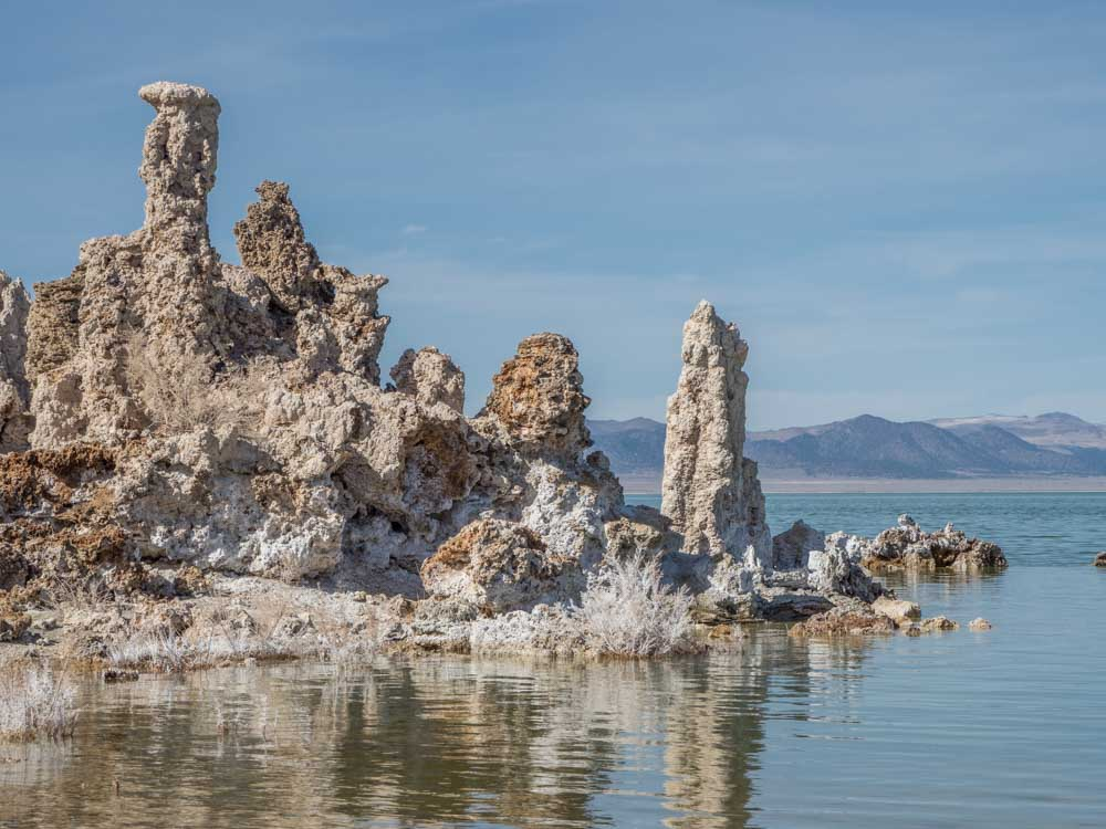 Mono lake in daytime in Lee VIning
