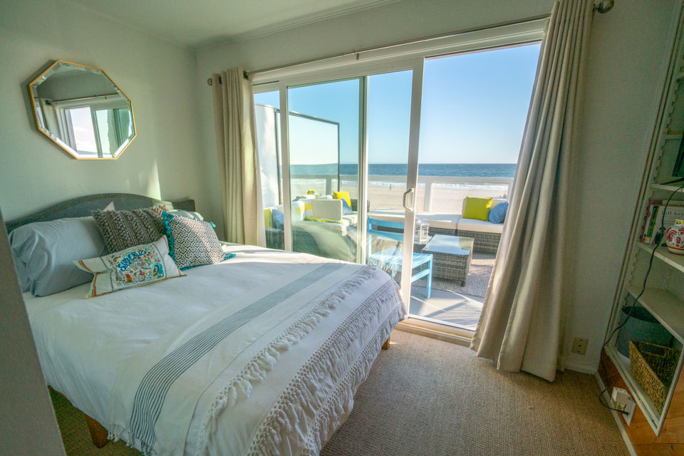 Santa Cruz Anchor's Away beach house. bedroom with ocean views
