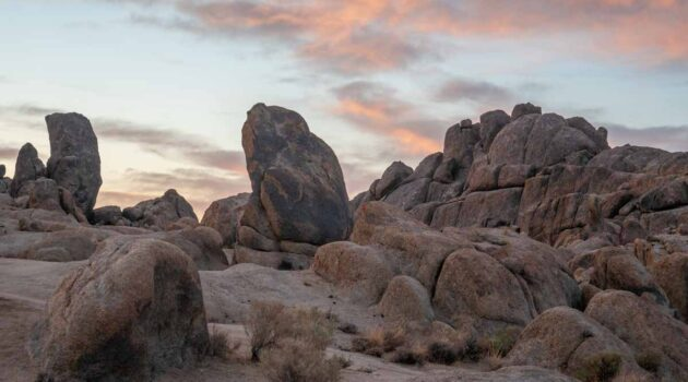Things to do in Lone Pine CA Alabama Hills sunrise