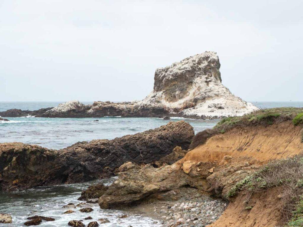 Piedras Blancas coastline white rocks